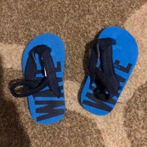 Oshkosh infant sandals